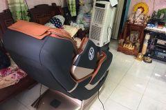 khach-mua-ghe-massage-drcare-819-3