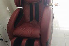 khach-mua-ghe-massage-drcare-912-23