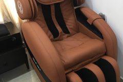 khach-mua-ghe-massage-drcare-912-35