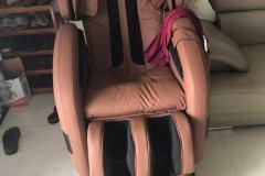 khach-mua-ghe-massage-drcare-912-43