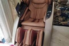 khach-mua-ghe-massage-drcare-919X-44