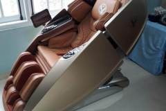khach-mua-ghe-massage-drcare-919X-46