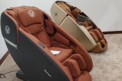 khach-mua-ghe-massage-drcare-919X-8
