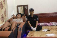 khach-mua-ghe-massage-drcare-923-57